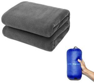 災害時にも使える!秋冬キャンプを暖かくしてくれる毛布