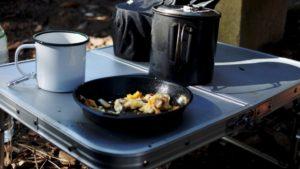 ソロキャンプにおすすめ!ソロキャンプ用人気テーブル集