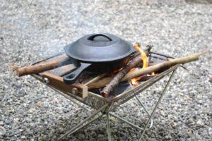 ソロキャンプにおすすめ!ソロキャンプ用焚き火台