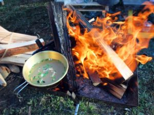 キャンプにおすすめ!焚き火ジャケット&焚き火コート