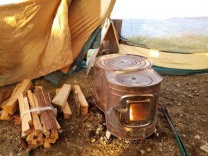 薪ストーブで暖か!キャンプにおすすめ薪ストーブ